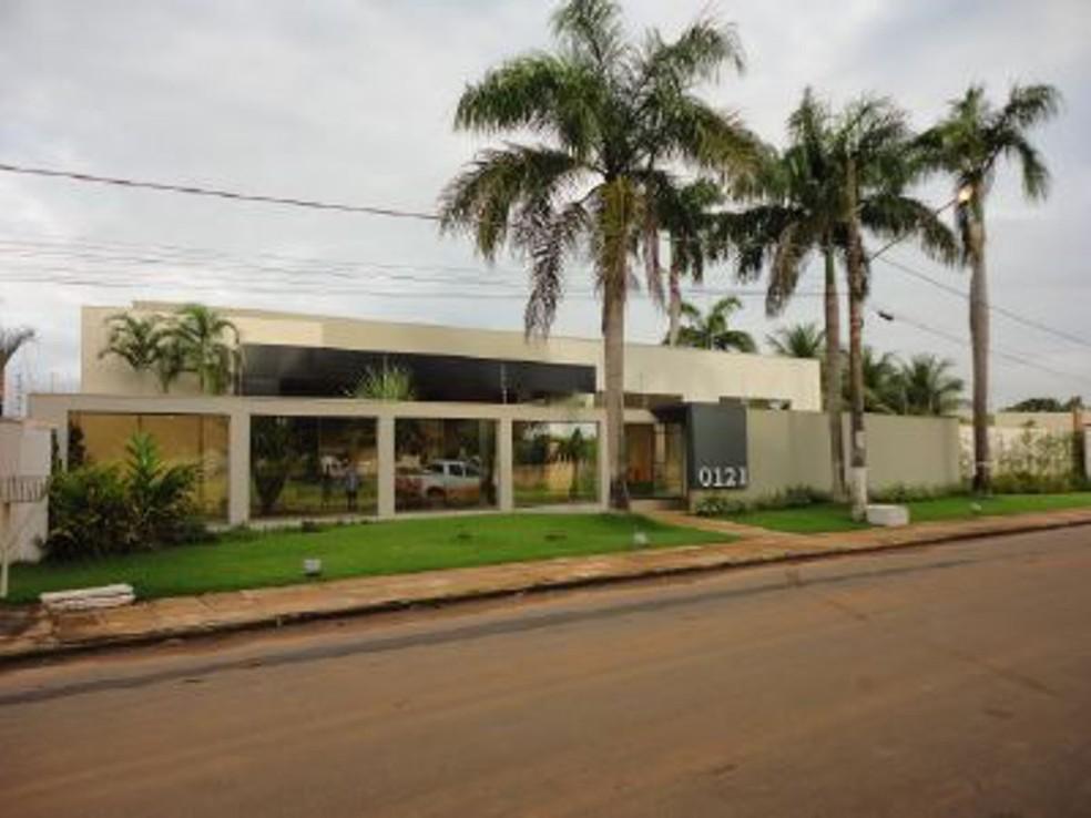 Casa ocupa três terrenos — Foto: Divulgação