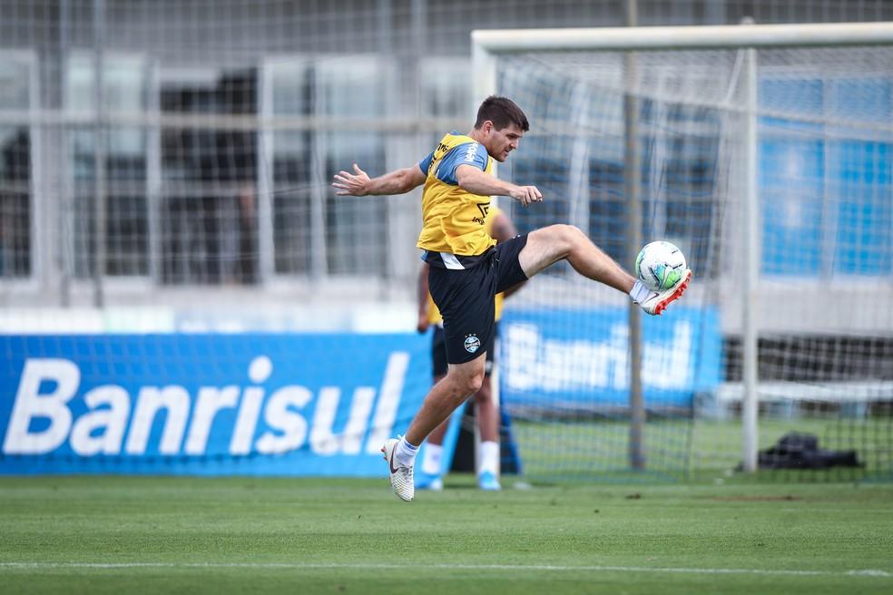 Kannemann em treino do Grêmio — Foto: Lucas Uebel/Grêmio