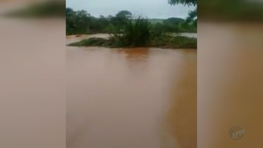 Chuva abre 'crateras' no asfalto e causa alagamentos em Nuporanga e Orlândia, SP