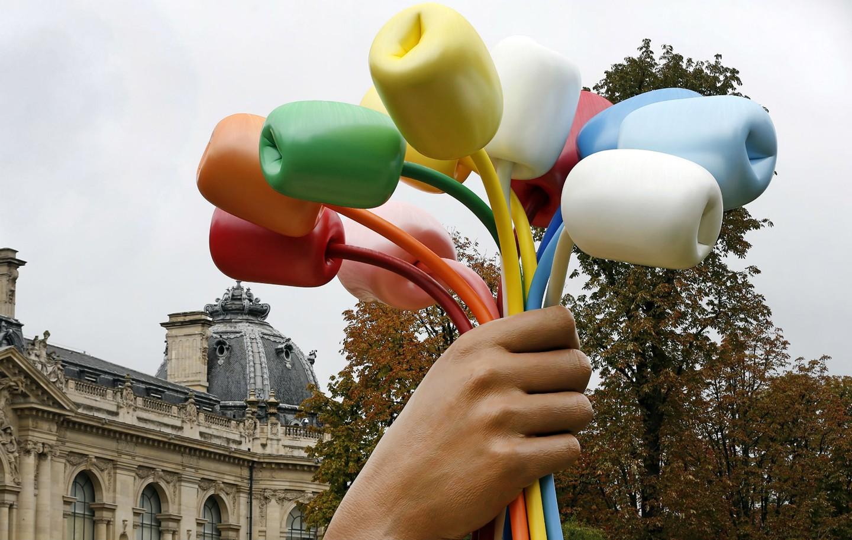 Instalação de Jeff Koons em Paris causa polêmica entre os franceses (Foto: Getty Images)