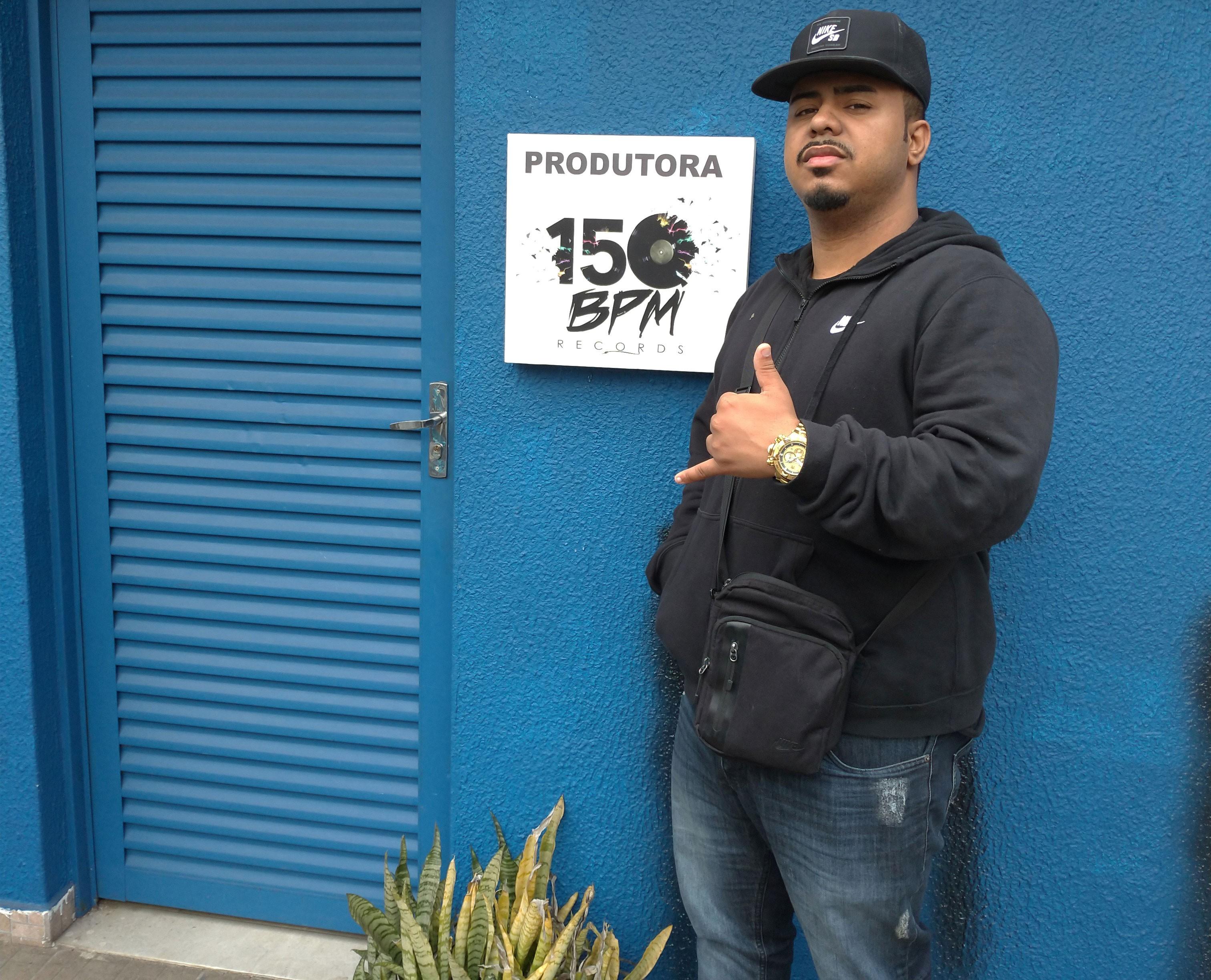 Ponte aérea do funk: Criador do ritmo 150 bpm no Rio, DJ Polyvox monta produtora no centro de SP - Notícias - Plantão Diário