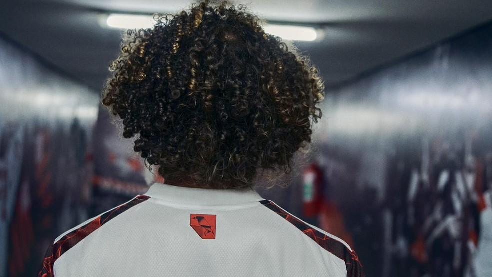Confira detalhes do novo uniforme do Flamengo — Foto: Divulgação
