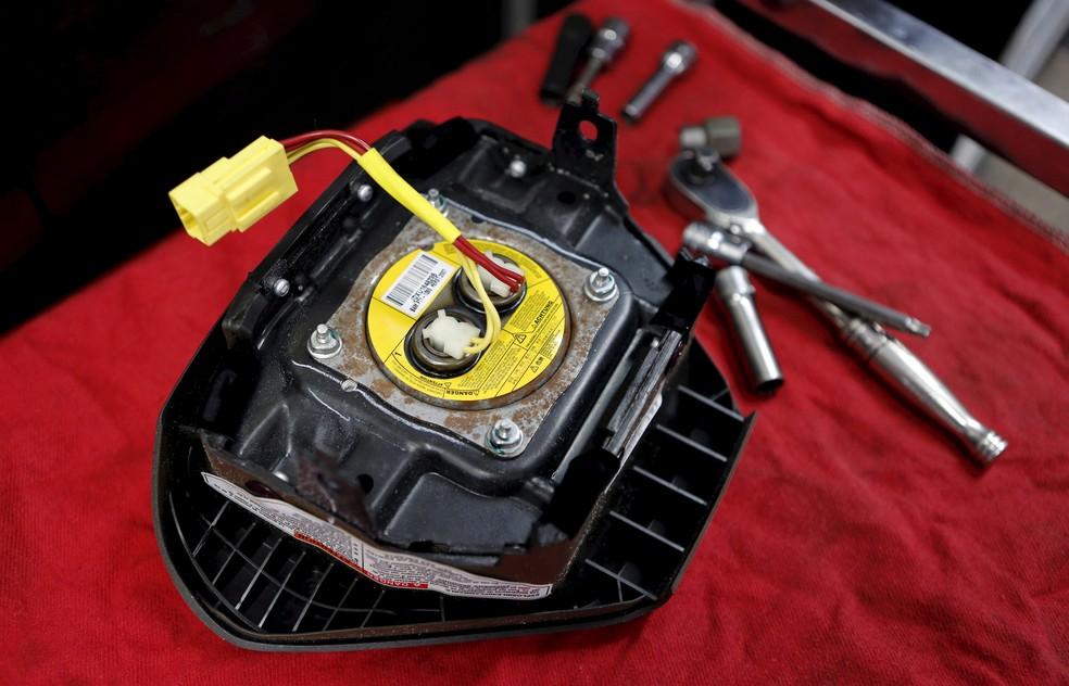Airbag da Takata pode lançar pedaços de metal contra os passageiros (Foto: REUTERS/Joe Skipper)