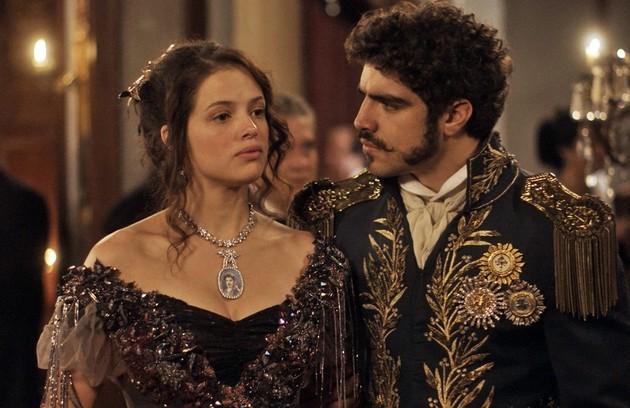 Dom Pedro realmente se apaixonou por Domitila, que na trama foi intrepretada por Agatha Moreira, apesar de não haver consenso entre os historiadores de como e quando eles se conheceram (Foto: TV Globo)