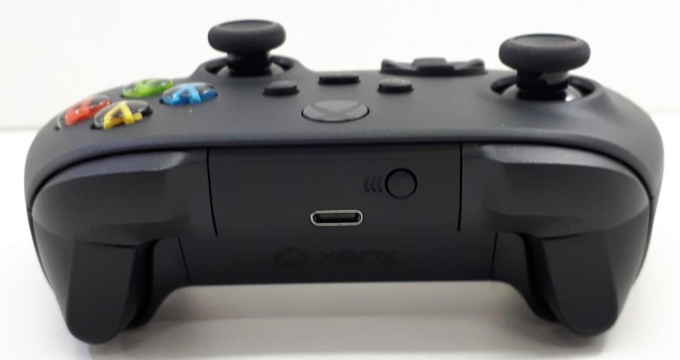 Porta USB-C indica que o controle é do Xbox Series X — Foto: Reprodução/Anatel