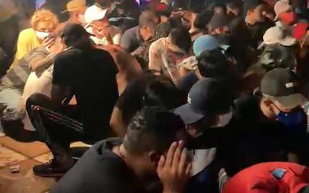 Balada clandestina na Zona Sul de São Paulo atraiu 500 pessoas — Foto: Polícia Civil / Divulgação