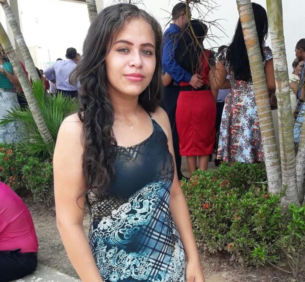 Lidiane Nunes saiu de casa no dia 7 de outubro e não retornou mais (Foto: Arquivo da família)