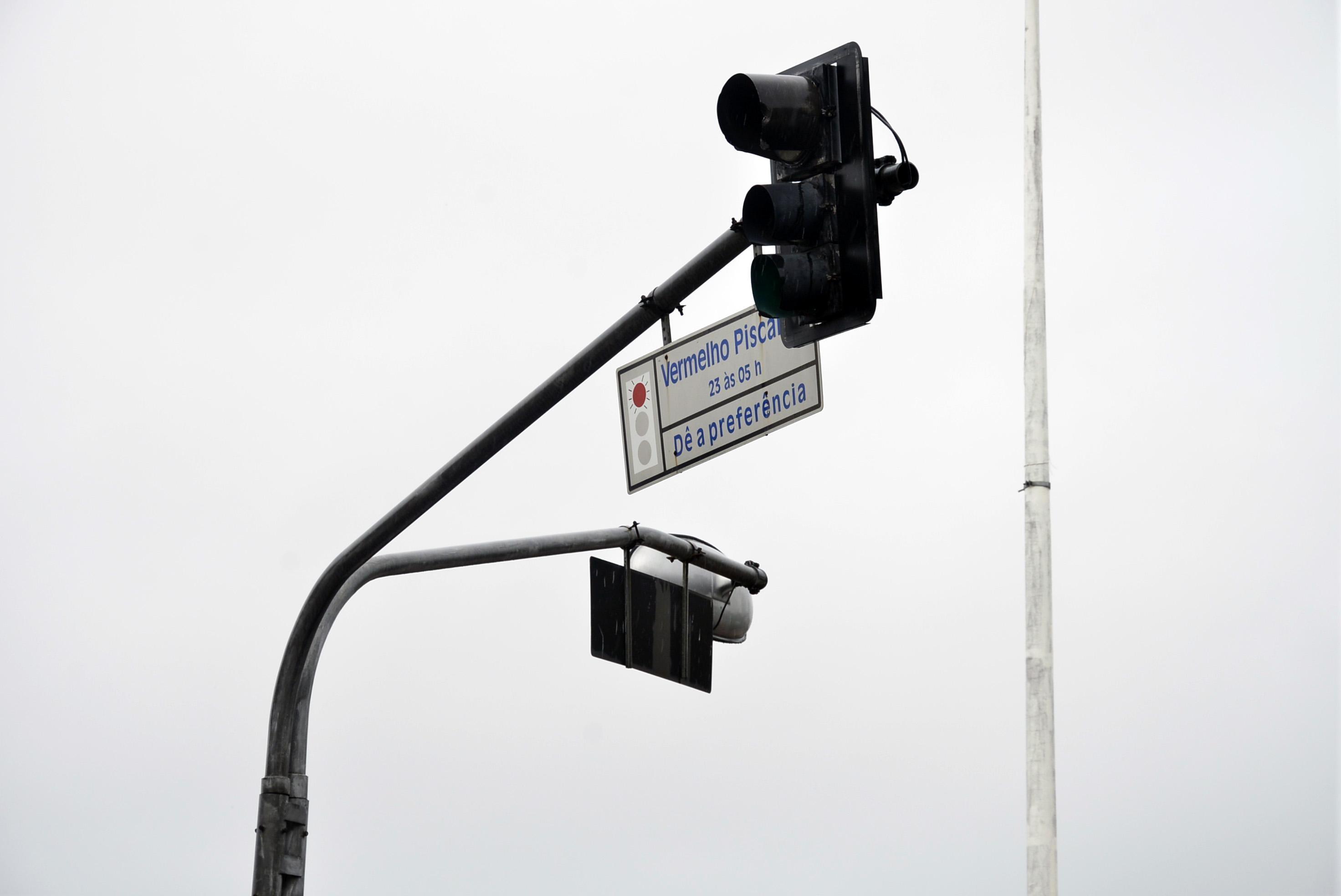 Veja alguns semáforos em Salvador que ficarão em modo amarelo piscante durante pandemia