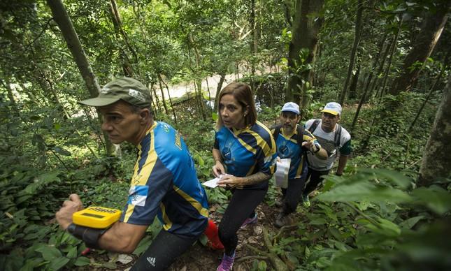 Charles Muratori, Renata Muratori e Michel Vinge fazem parte da Achados e Perdidos, tricampeã brasileira de regularidade. Luiz Augusto dos Santos (camisa branca) participou da primeira prova no Rio, em 2000
