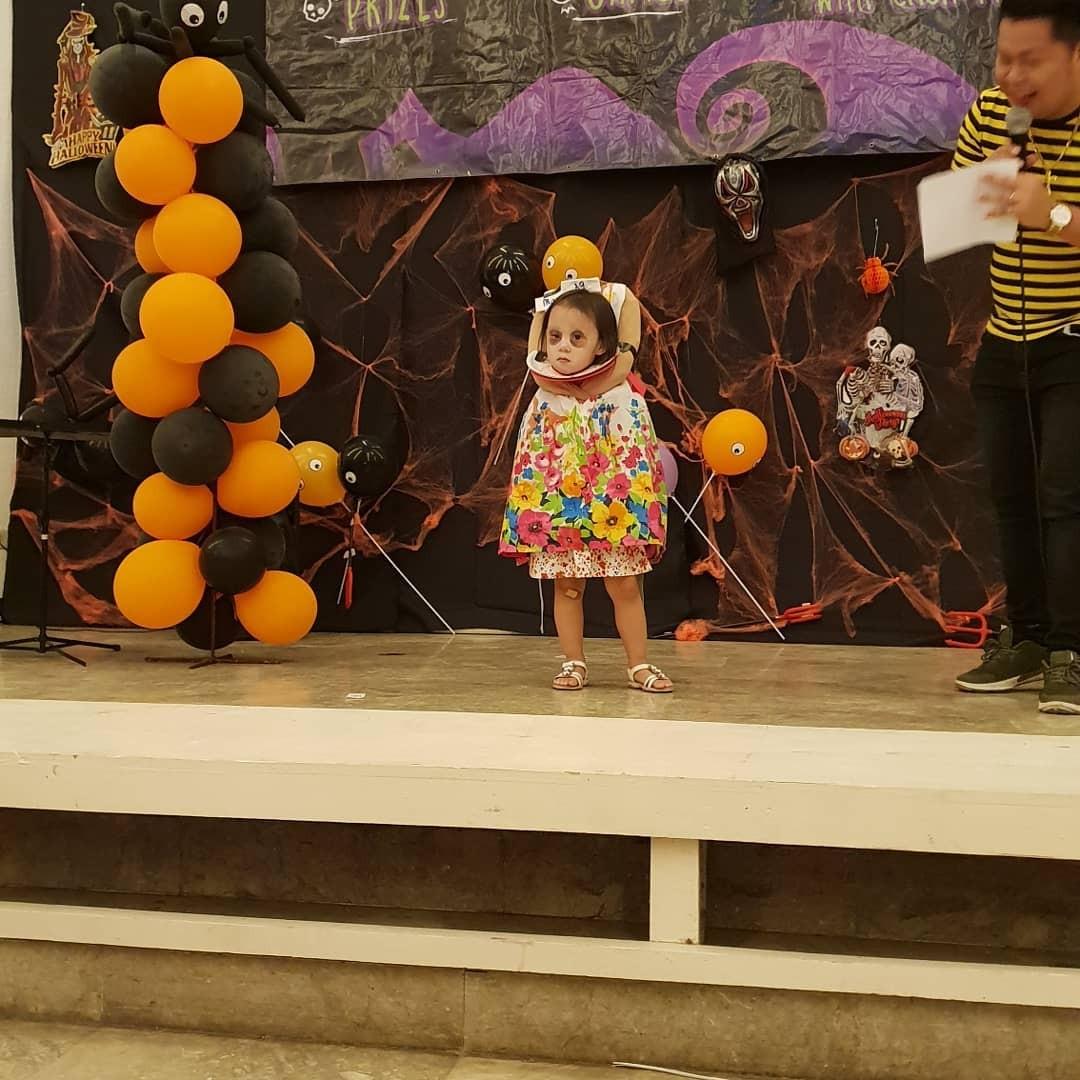 Garotinha faz sucesso com fantasia de Halloween (Foto: Reprodução / Instagram)