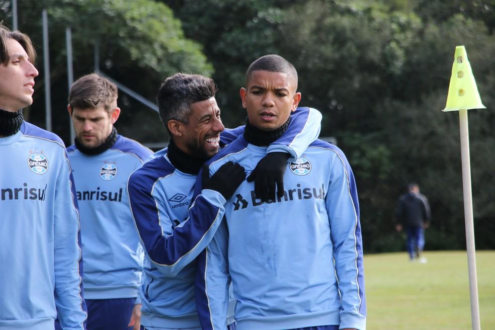 David Braz em treinamento do Grêmio — Foto: Eduardo Moura