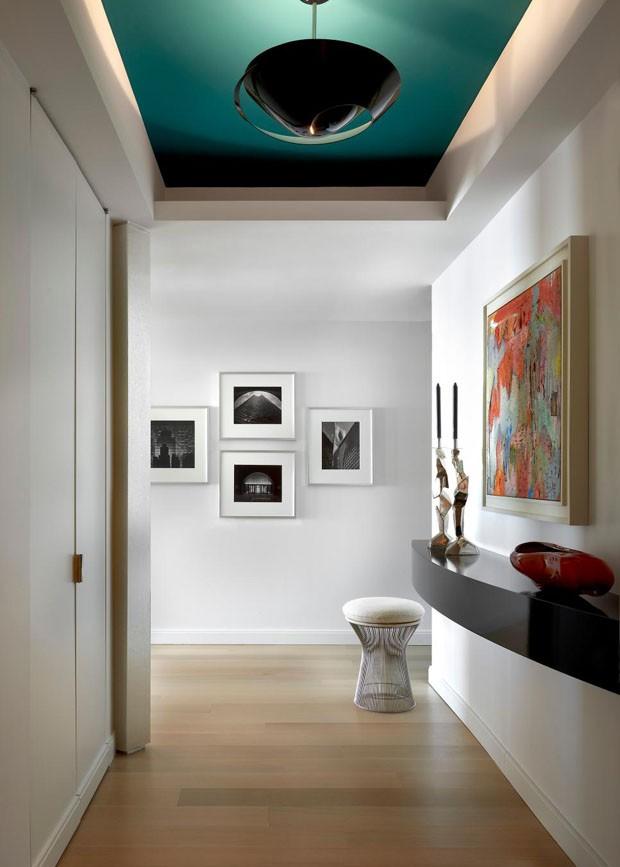 Décor do dia: hall de entrada com teto colorido (Foto: Divulgação)