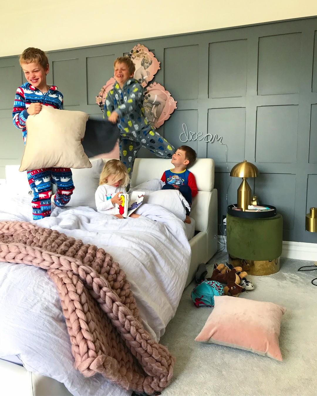 A blogueira, de 40 anos, acumulou 70 mil seguidores, graças as fotos da sua casa de cinco quartos incrivelmente decorados (Foto: Reprodução / Instagram)