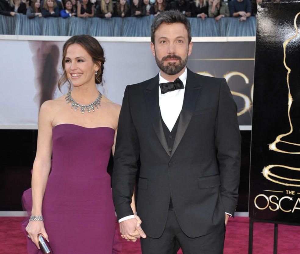 Ben Affleck e a atriz Jennifer Garner chegam ao Oscar 2013 (Foto: AP )
