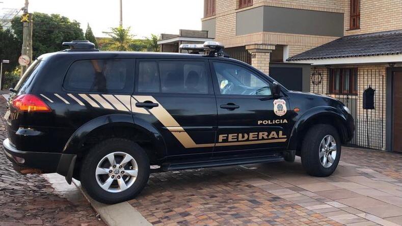 Operação da PF investiga grupo suspeito de fazer operações ilegais em instituições financeiras de câmbio no RS