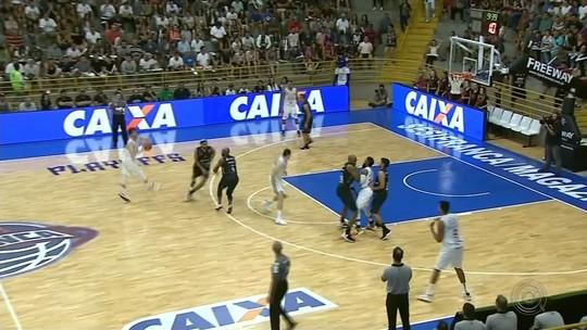 Confira como foi a derrota do Bauru Basket para o Franca pelo NBB
