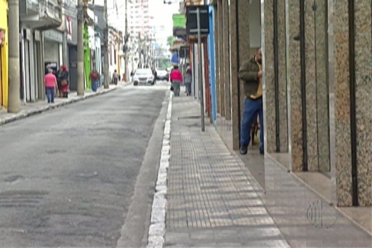 Comerciantes pedem liberação de vagas de estacionamento no Centro de Mogi das Cruzes