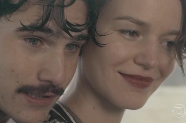 Alfredo (Nicolas Prattes) e Adelaide (Joana de Verona) (Foto: Reprodução/TV Globo)