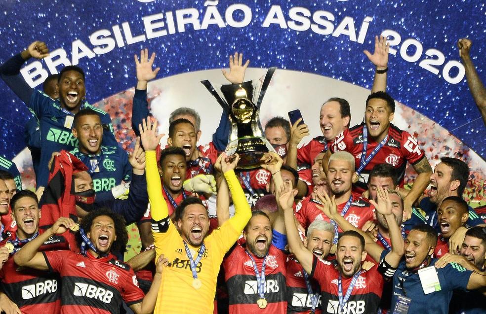 Apesar da supremacia do estado de São Paulo na quantidade de clubes no Brasileirão, o Flamengo é o atual bicampeão da Série A — Foto: Marcos Ribolli