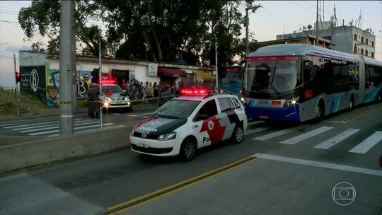 Polícia investiga assalto a ônibus que terminou com dois mortos em SP