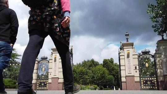 'Que Mundo é Esse?' entra na mansão do ex-presidente foragido da Ucrânia