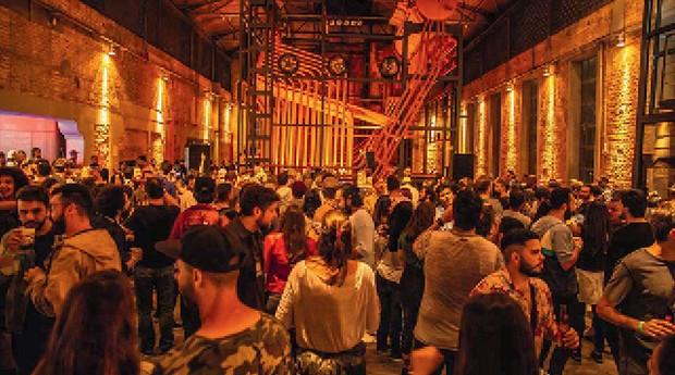 Festas vespertinas que reúnem multidões em São Paulo - Festa Tododomingo, na Casa das Caldeiras (Foto: Divulgação)