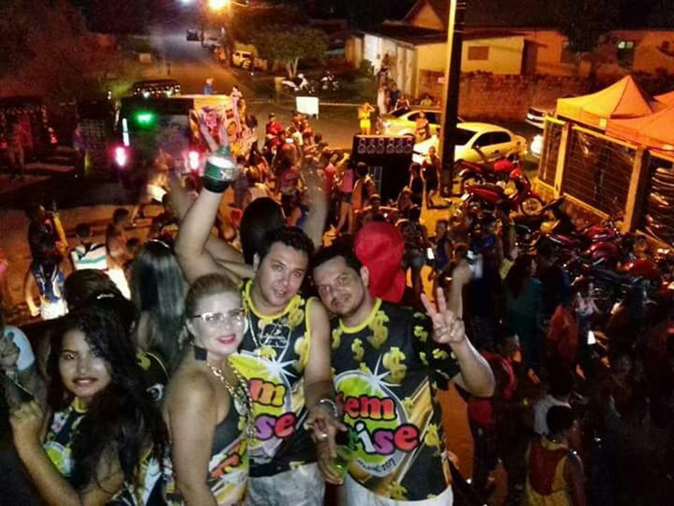Amigos se euniram e criaram bloco de carnaval em Cruzeiro do Sul (Foto: Raimundo Valeriano/arquivo pessoal)