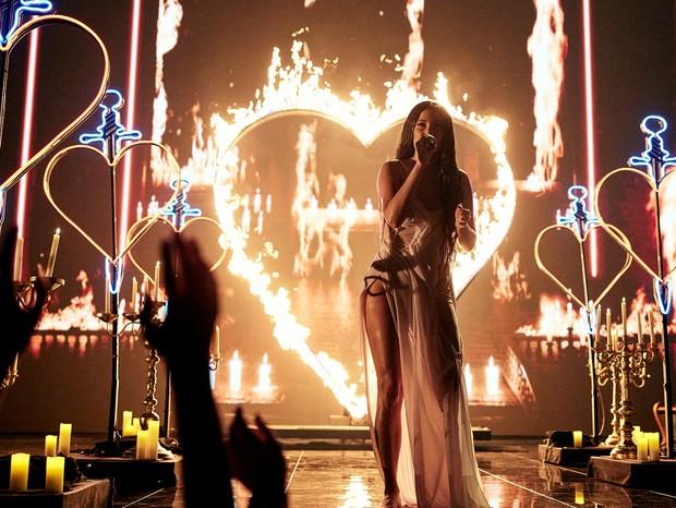 Kacey Musgraves se apresenta no VMA 2021 (Foto: Getty Images)