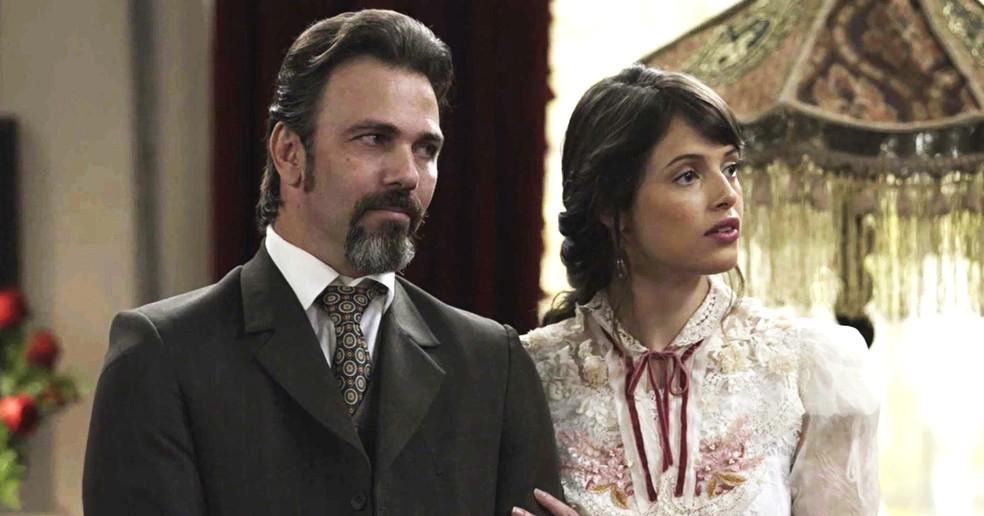 Aurélio não gostou das intrigas de Susana e ela agora será obrigada a lhe pedir desculpas  (Foto: TV Globo)