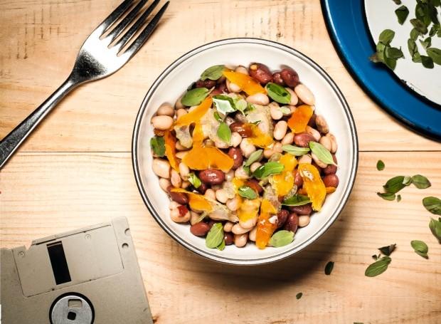 Leve e nutritiva: receita de salada de feijões da chef Gabriela Barretto