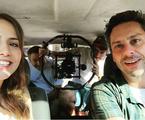 Letícia Colin, Alexandre Nero e a equipe de 'A regra do jogo' | Reprodução