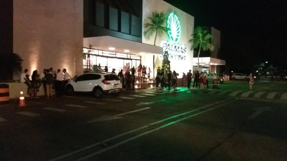 Princípio de incêndio aconteceu no Palmas Shopping — Foto: Karol Santiago/TV Anhanguera