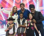 Ivete Sangalo, Leo Chaves e Carlinhos Brown com os finalistas do 'The voice kids': Juan Carlos Poca, Thomas Machado e Valentina Francisco | Cesar Alves/ TV Globo