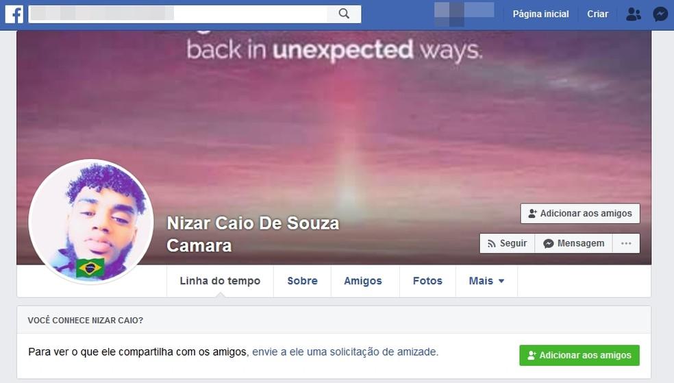 Ângela encontrou perfil do filho no Facebook — Foto: Reprodução/Facebook