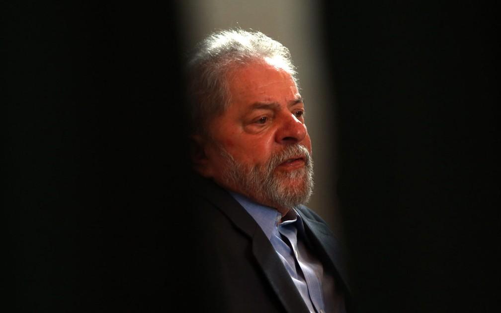 Lula foi condenado a 12 anos de prisão em processo que investiga propina por meio de reforma no sítio em Atibaia  — Foto: Hélvio Romero/Estadão Conteúdo