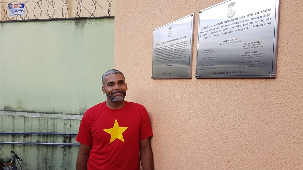 Cassimiro Gonçalves Neto, morador de abrigo público, passou na UFMG para engenharia mecânica — Foto: Thais Pimentel/G1