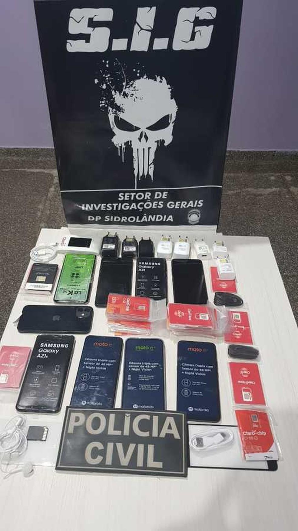 Polícia Civil recuperou parte dos celulares roubados em loja de MS — Foto: Polícia Civil/Divulgação