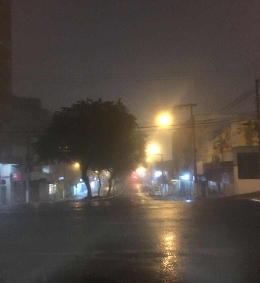 Chapecó teve neblina em boa parte do dia (Foto: Eduardo Florão)