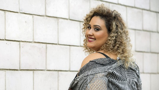 Modelo plus size, 'The Voice' Ana Cigarra faz ensaio exclusivo para o Gshow