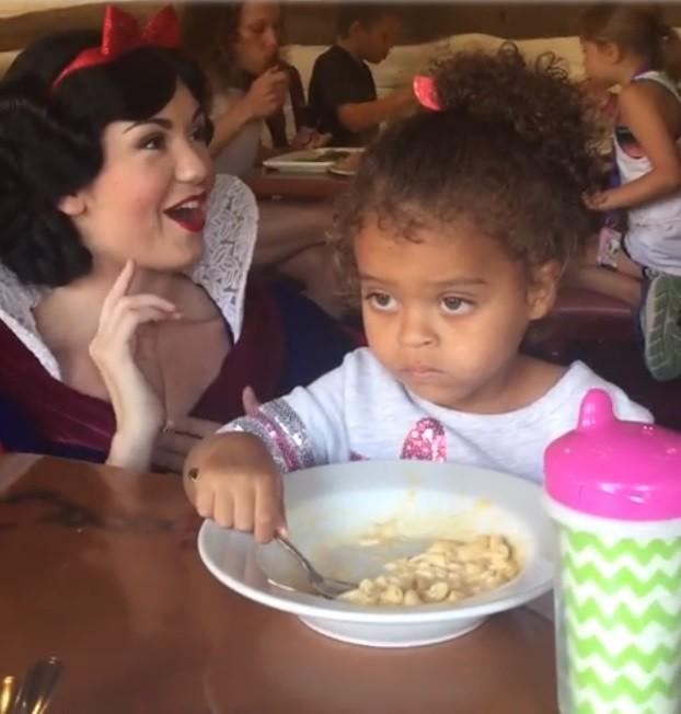 Kaylin não dá a mínima para Branca de Neve