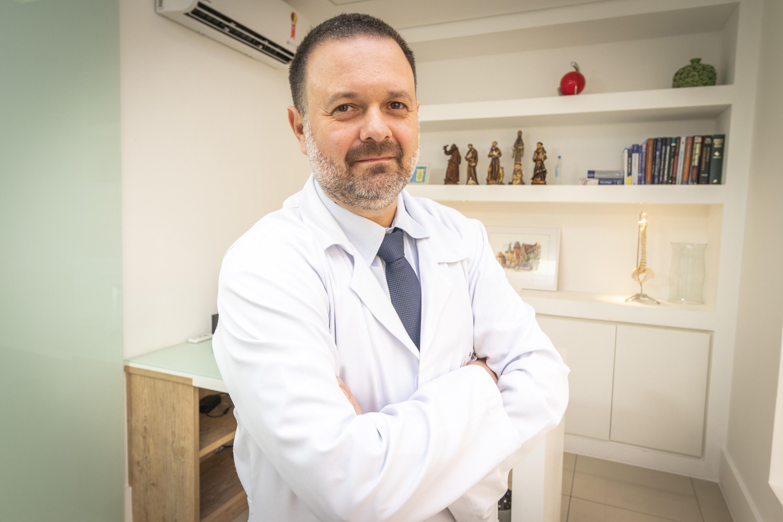 O Dr. Pedro Pierro é o responsável por trazer o curso sobre medicina canabiótica ao Brasil (Foto: Divulgação)