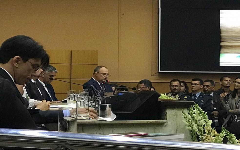 Belivaldo se emocionou várias vezes durante o discurso — Foto: Gustavo Rodrigues/G1 SE