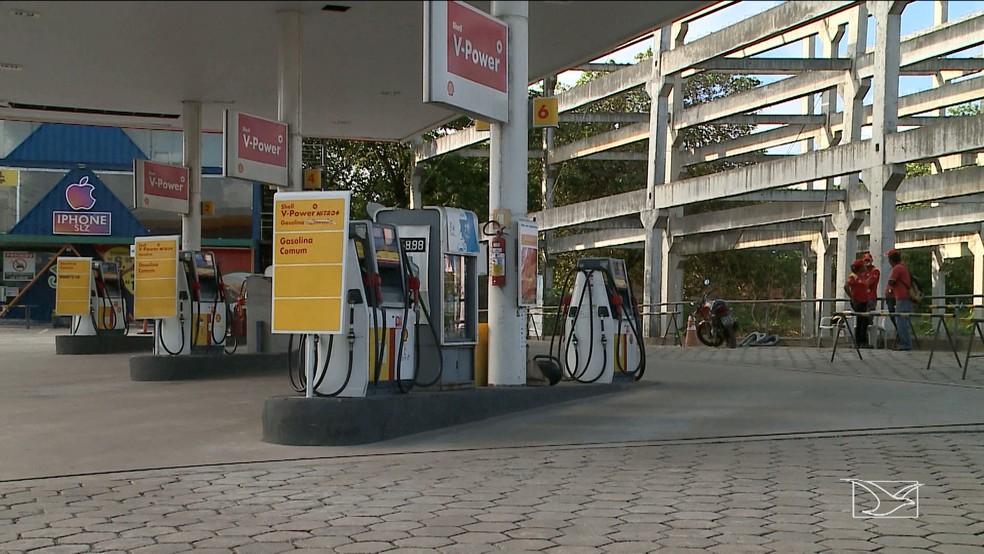 Vários postos de São Luís fecharam por falta de combustível (Foto: Reprodução/TV Mirante)