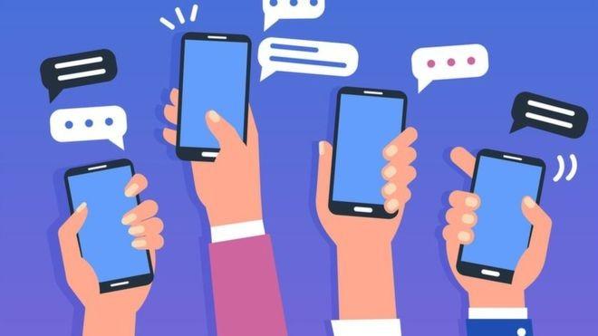 Estudo inédito aponta que grupo pequeno monopoliza conversas em grupos de WhatsApp (Foto: Getty Images/BBC)