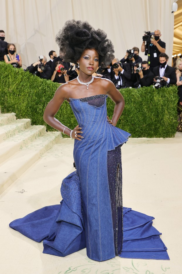 NEW YORK, NEW YORK - SEPTEMBER 13: Lupita Nyong'o  attends The 2021 Met Gala Celebrating In America: A Lexicon Of Fashion at Metropolitan Museum of Art on September 13, 2021 in New York City. (Photo by Mike Coppola/Getty Images) (Foto: Getty Images)