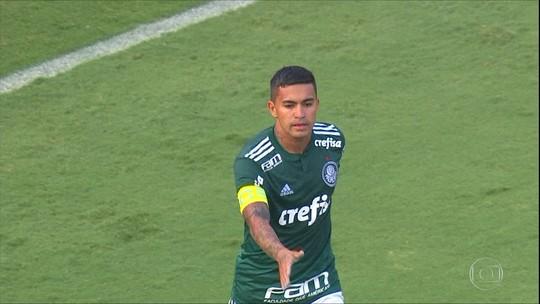 Dudu não comemora o gol da vitória do Palmeiras sobre o Internacional