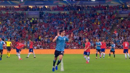 Atuações do Uruguai: Cavani garante vitória e primeira colocação do Grupo C