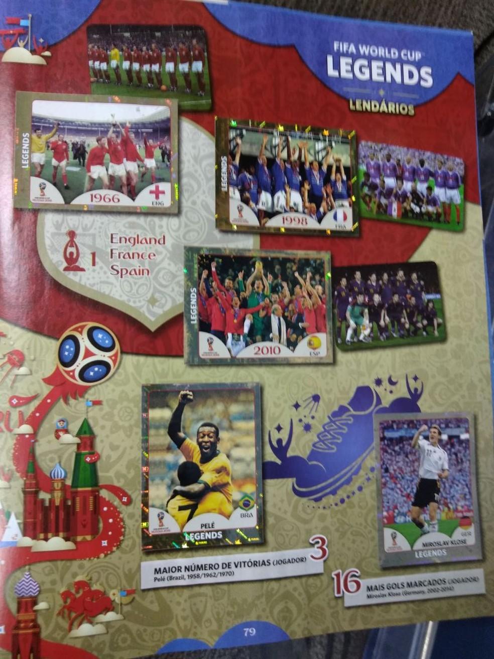 A?lbum deste ano traz lendas da Copa, como PelAi?? (Foto: Cassio Barco)