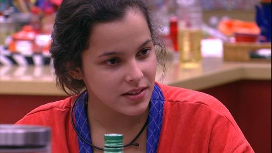 Marcos sugere que Roberta foi manipulada por Rômulo e Emilly diz: 'Não é pau-mandado'