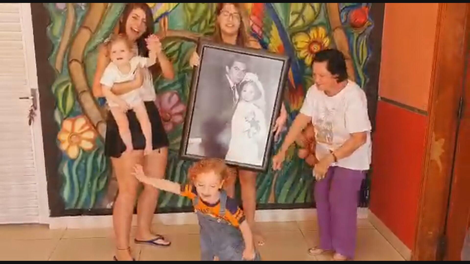 Coronavírus: idoso recebe alta da UTI no dia em que comemora bodas de ouro e celebra em hospital do DF